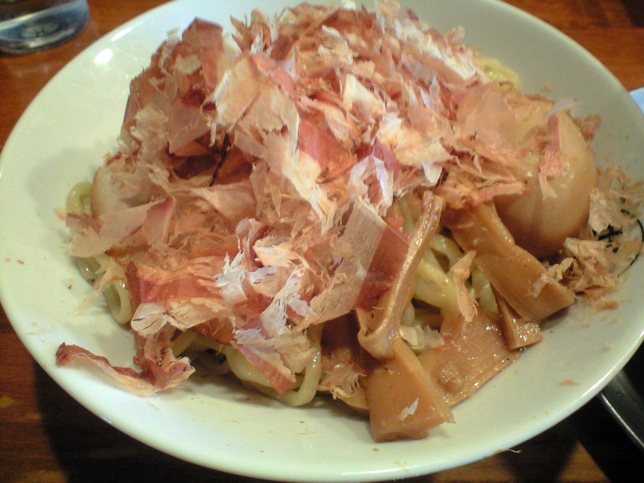 虹の麺 麺アップ